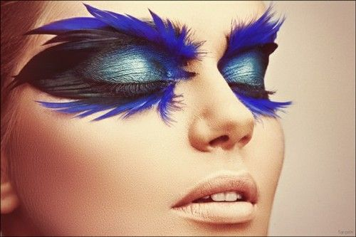 Blue feathers!