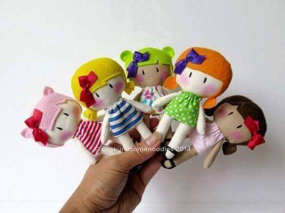 Muñecas de fieltro con moldes