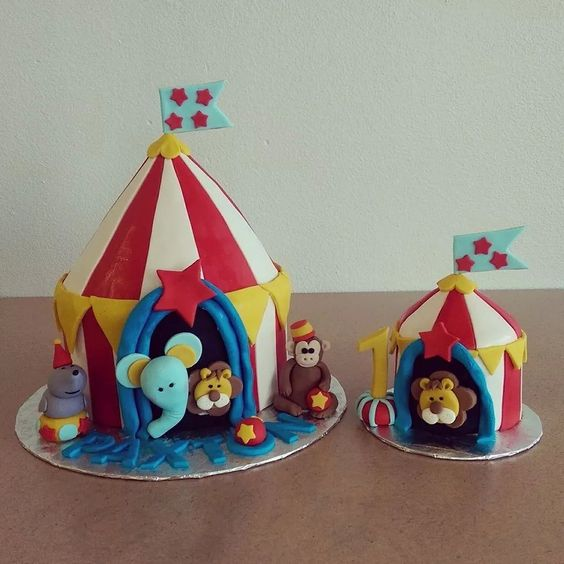 Adorable circus theme 1st birthday cake by Paisley Cakes