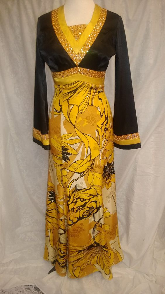 Vintage CALVIN THOO hostess gown by SUNandMOONBoutique on Etsy, $220.00
