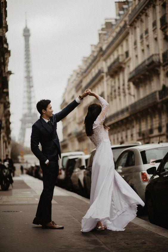 Romantic Paris Pre-Wedding Photoshoot : OneThreeOneFour