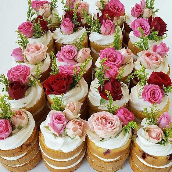 """Mini Naked Cake para servir na sua festa   ❥""""Hobby&Decor""""   Inspirações em Decor!   #cake #mininakedcake #decor #interiordesign"""