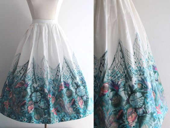 1950s Border Print Skirt / Vintage 50s Seashell Novelty Print Full Skirt by SavvySpinsterVintage