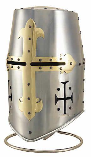 Casco utilizado por los caballeros templarios o de la orden del temple. Fue una de las mas famosas ordenes militares cristianas.