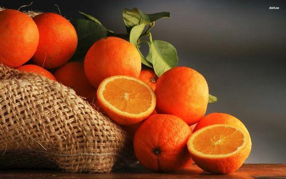 ما تفسير رؤية البرتقال في المنام البرتقال البرتقال في الحلم البرتقال في المنام تفسير ابن Vegetables Photography Fruit Photography Wild Orange Essential Oil
