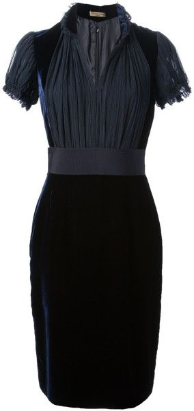 Gorgeous Black Velvet Dress - Alexander McQueen #Style #black #fashion OMG. Waaaaant