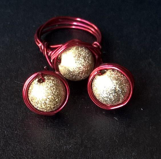 Conjunto Bolinha Dourado com Vermelho