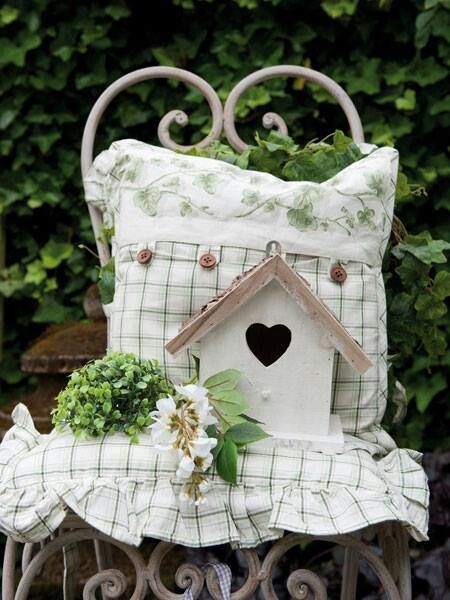 Bird house, chair, I want it all!