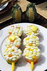cupcakes masquerade as corn with clever jelly bean design!