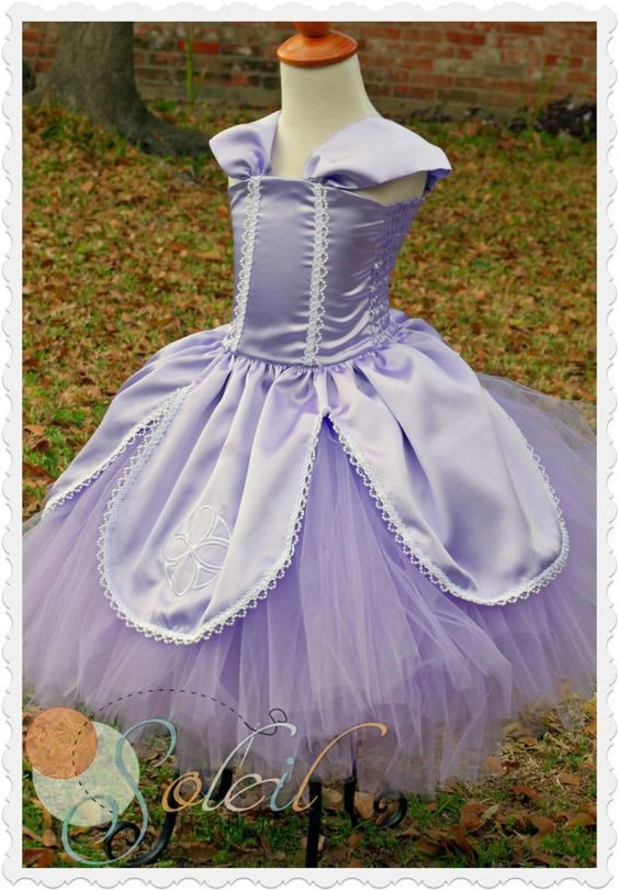 Sofia Princess Dress por SCbydesign en Etsy, $84.99