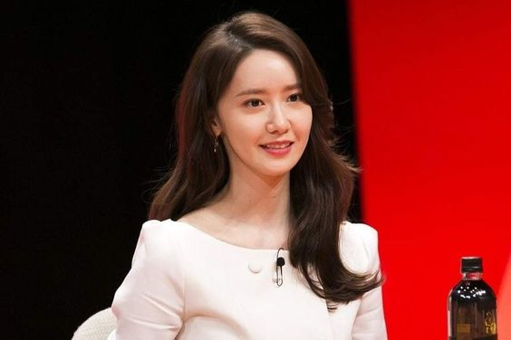 """Girls' Generation's YoonA Shares Thoughts On Being Called """"Beautiful"""" And Turning 30"""