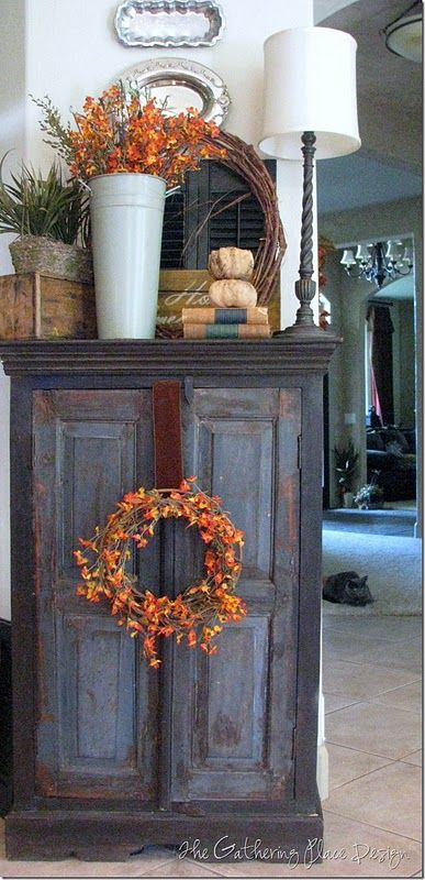 Great but simple Fall Decor ideas~ love the top of this how its arranged