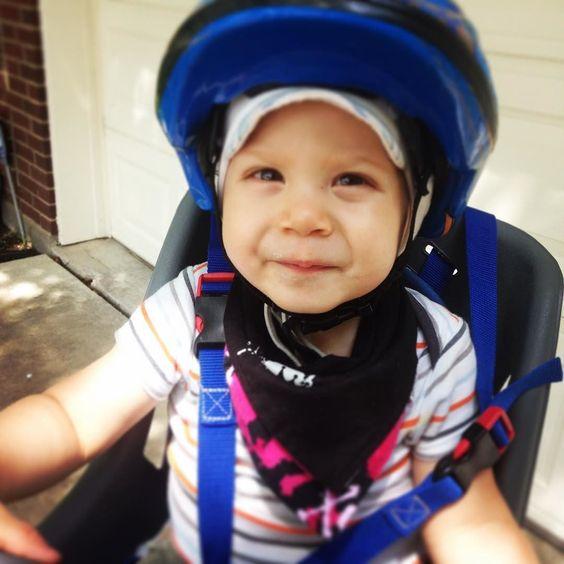 Rockin' the bib on a ride. #babybandanabib #babybib #babybandana #instababy #cutebaby #rebelbaby #punxbaby #punkbaby #hipsterbaby #bikerbaby #babyshower #babyboy #babygirl #matzibaby by matzibaby