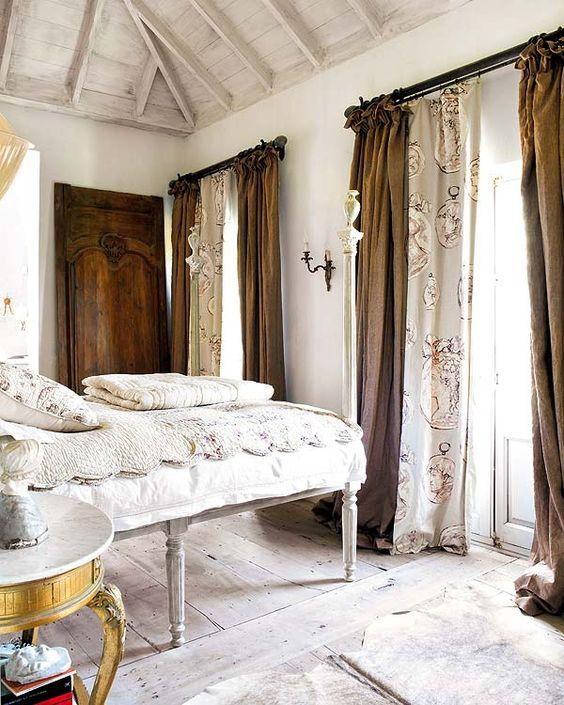 Silk-patterned drapery panels under linen; Heloísa Málaga/ceiling