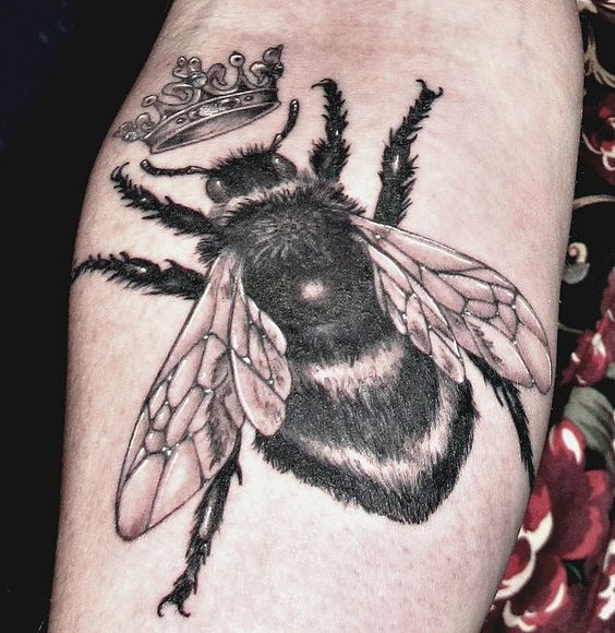 queen bee tattoo - photo #12