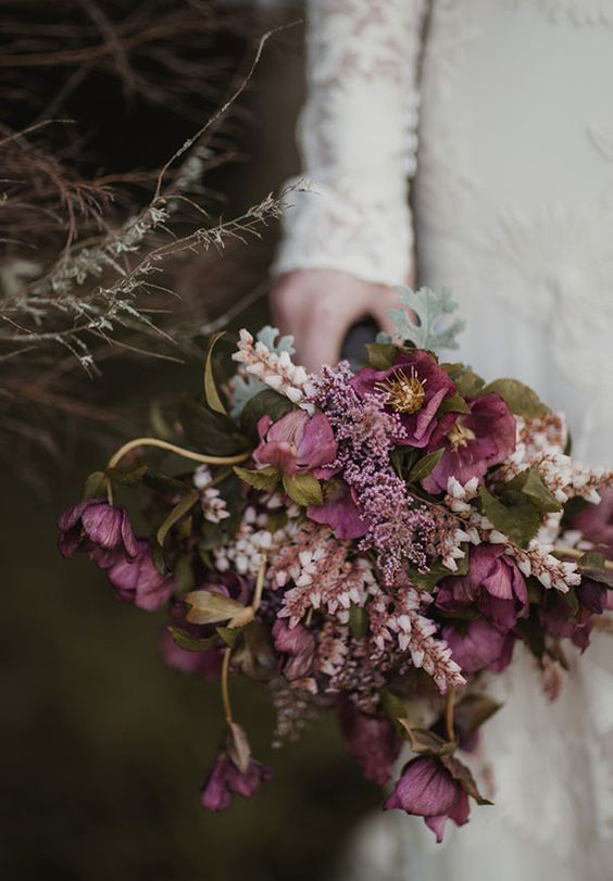 Hellebore wedding bouquet- beautiful hellebore wedding flower ideas for winter brides // The Natural Wedding Company