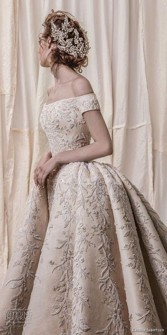 A New Trend of Wedding Dresses