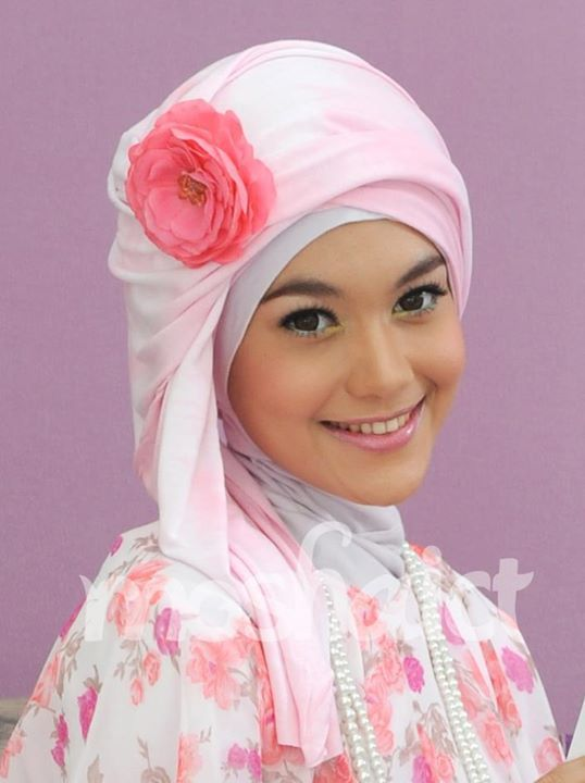 Girls with Hijab - #Hijabeastah