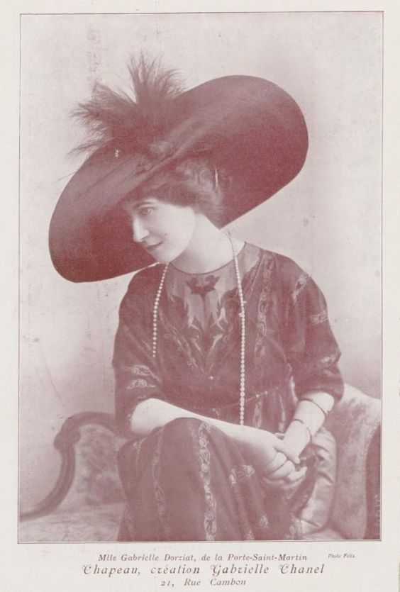 Hat by Gabrielle Chanel, 1911: Hat Glove, Chanel Cocochanel, Cappelli Hats, 1910 Hats, Halhatatlan Coco, Hats Bangels
