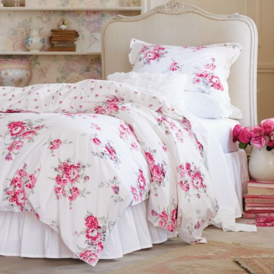"""Spring in Bloom"" Simply Shabby Chic Sunbleached Floral Duvet Set. Available now exclusively at Target stores. @target #simplyshabbychic #targetstyle"