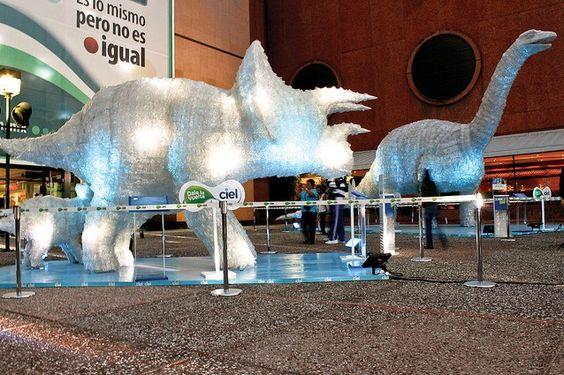Géantes sculptures de PET, montrant que le recyclage peut être amusant et servir d'outil pour développer la créativité et l'expression artistique. / tag : bottle, plastic, art, recycle, reuse, animal / Licence : Copyright Tous droits réservés par Coca-Cola de México / source : http://www.flickr.com/photos/cocacolademexico/