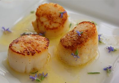 Seared Scallops with Rosemary Butter