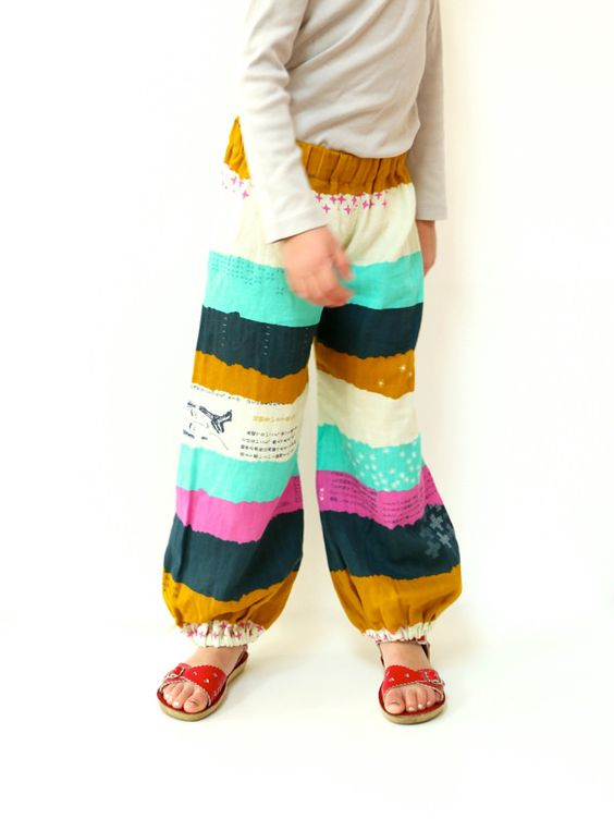 "<a href=""http://www.made-by-rae.com/2015/03/moon-pants-update/"" rel=""nofollow"">blogged here</a>"