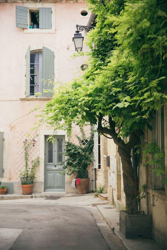 Arles /helena la petite