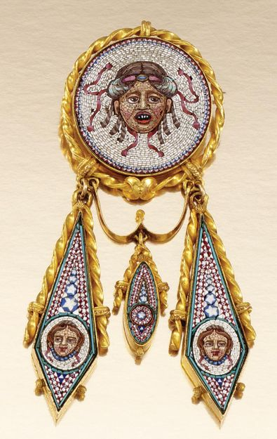 GOLD AND MICRO MOSAIC BROOCH/PENDANT, 1860s. The central circular panel set with…