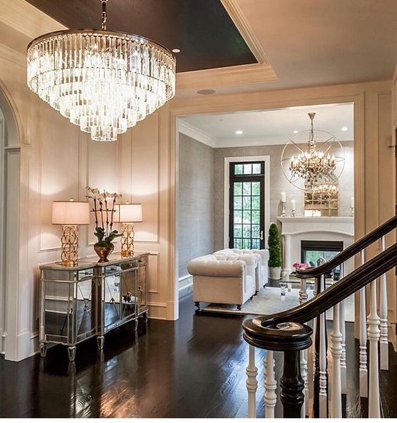 Elegant Foyer Decor Ideas: I Like Everything About This! Dark Floors, White Walls