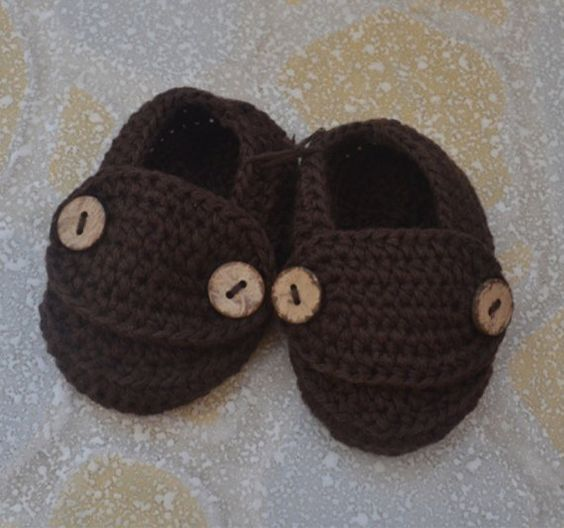 Boy #CrochetBabyBooties #BabyLoafers Newborn by BabyGirlsGlam, $14.99 www.babygirlsglam.etsy.com