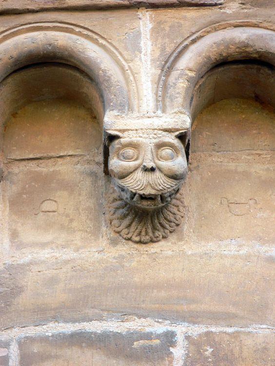 Muro de siller a de piedra caliza con marcas de cantero for Piedra de silleria