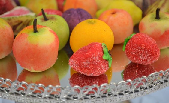 HOW TO MAKE MARZIPAN FRUIT - ah they remind me of my childhood!~: