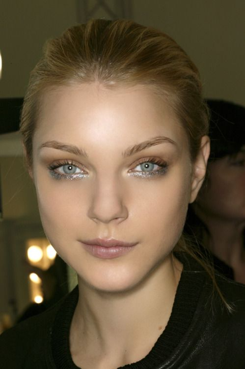 bronze and silver glitter eye makeup
