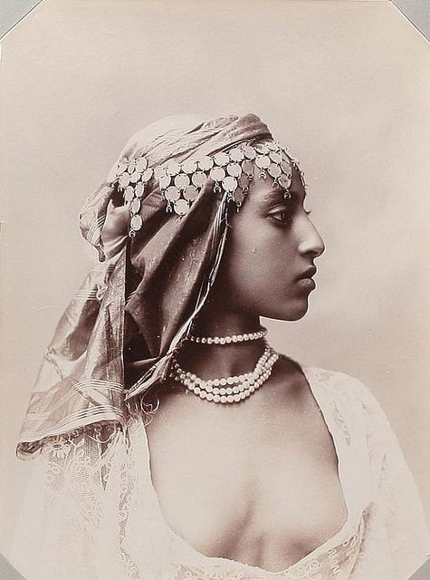 What a beautiful profile. 19th Century 'cabinet' photo depicts No African woman, (possibly Ethiopian)