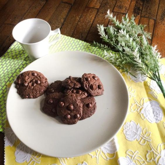 Smell very good. sooooo tempted! - 26件のもぐもぐ - Cocoa chocolate chip cookies by Vrebel