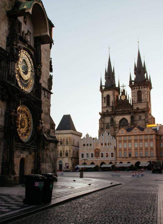 Praga catedral y reloj astronómico