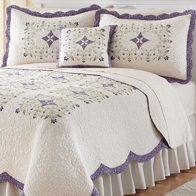 Home Classics Mirabelle Floral Heirloom Quilt Coordinates