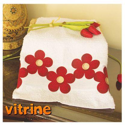 Toalha customizado pela artesã Isamara Custódio
