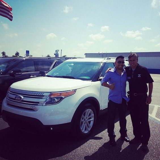 Thanks 4 your purchase Eric!  #ExplorerXLT Call Miguel in #MIA and get the #BestDealEver 786.970.3792 #Broward pic.twitter.com/OKsgXNQ19T
