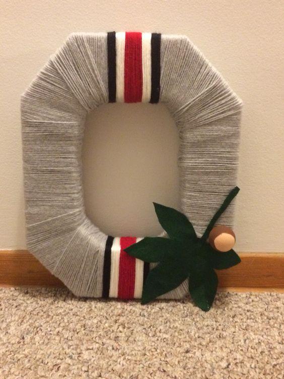 Ohio State block o helmet wreath