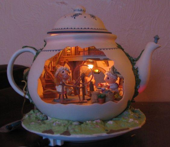 Enesco Illuminated Animated Mice Vintage Music Box Teapot Bungalow from nanas-haus on Ruby Lane