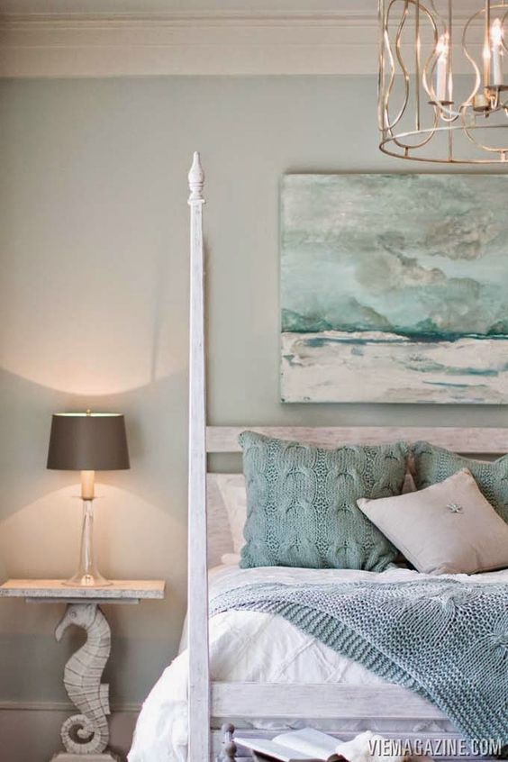 Such a calming, beachy bedroom: