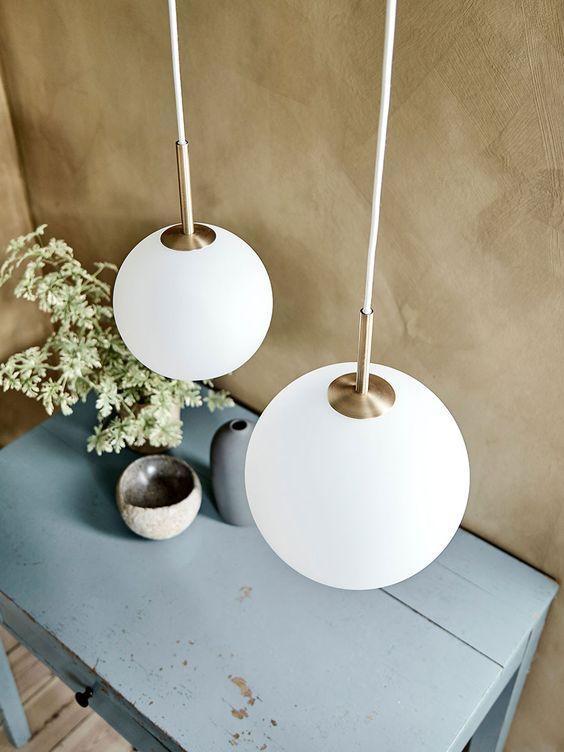 Frandsen Ball Pendel 25 Cm Opalt Glass Designbelysning No Pendellampe Taklampe Antikk