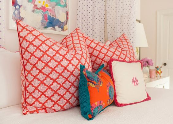 Eclectic Mix Of Pillows : eclectic mix of pillows via i suwannee: a teenage dream bedroom in domino magazine Textiles ...