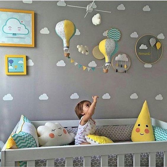 #mulpix Bom dia!! A inspiração do dia é esse quarto de bebê em tons cinza e amarelo, com os quadrinhos infantis da Urban Arts! Que tal?  #vamosespalhararte  #urbanartsfortaleza: