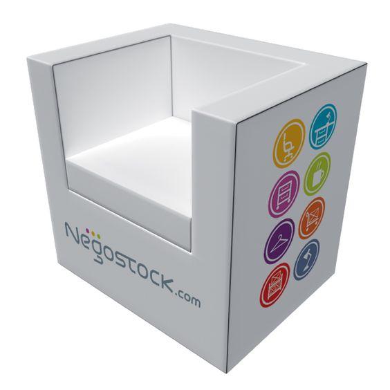 Fauteuil carré Valencia personnalisable. Negostock propose une gamme complète de mobilier de bureau que nous vous livrons personnalisé aux couleurs de votre entreprise!