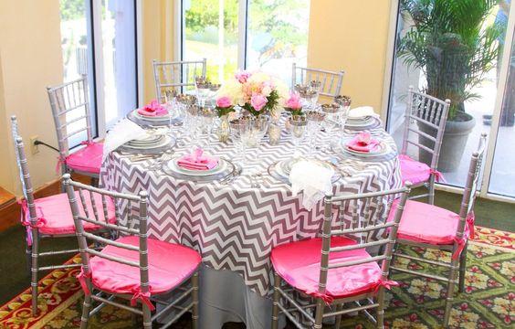 Funky pink and grey table setting #pinkweddings #bocabydesign www.bocabydesign.com