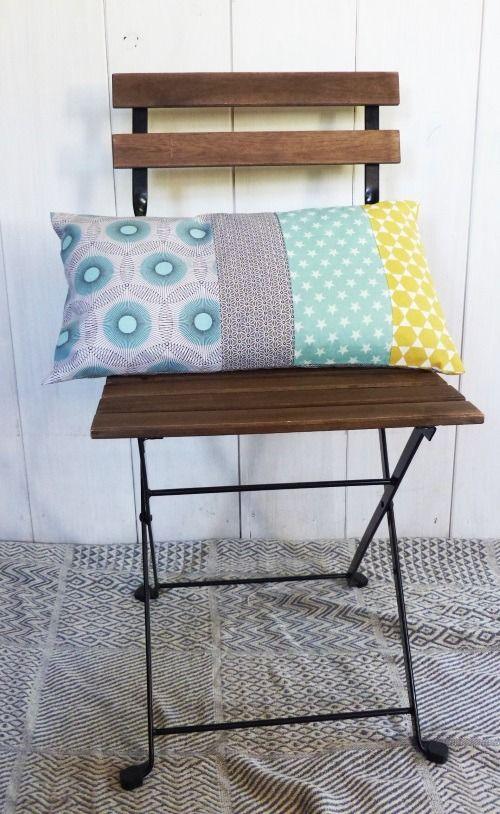 Housse de coussin rectangulaire 50 x 30 cm Patchwork tissus géométriques bleu, jaune et gris Vintage deco rétro