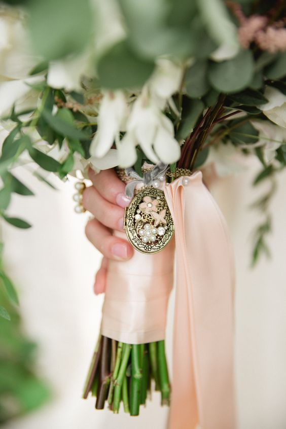 Add your something borrowed to your wedding bouquet.